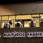 Tūrinė šviečianti iškaba - Kultūros fabrikas- vakare
